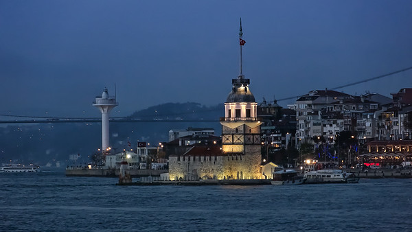 Kiz Kulesi, by night, Kiz Kulesi, Ueskuedar, Istanbul, Turkey; © Joerg Muehlbacher