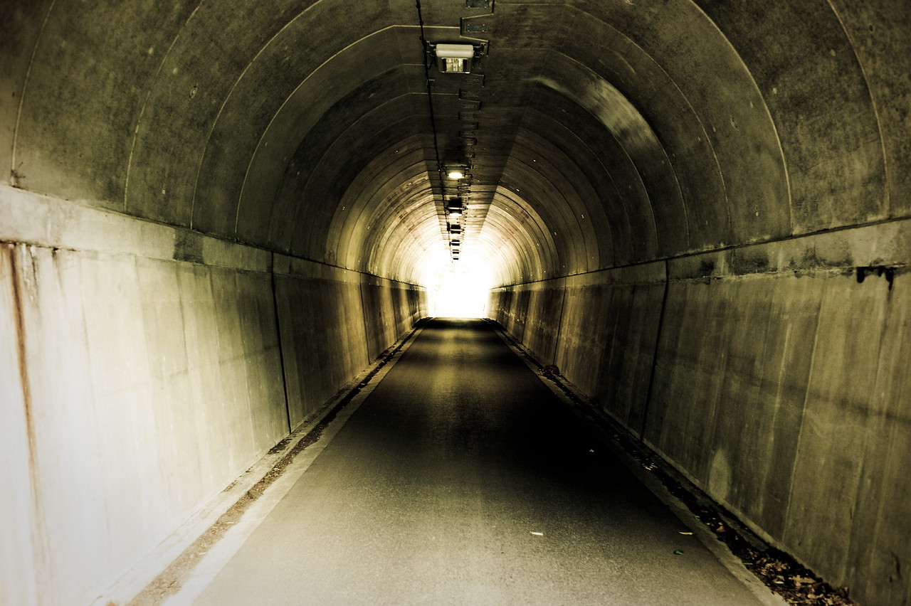 The tunnel before the light