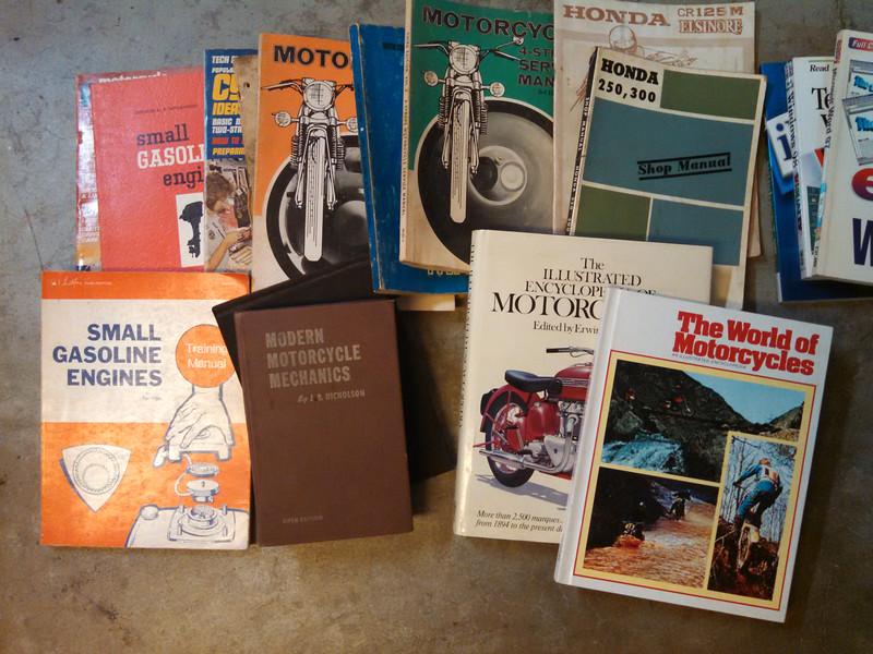 Old Moto Books
