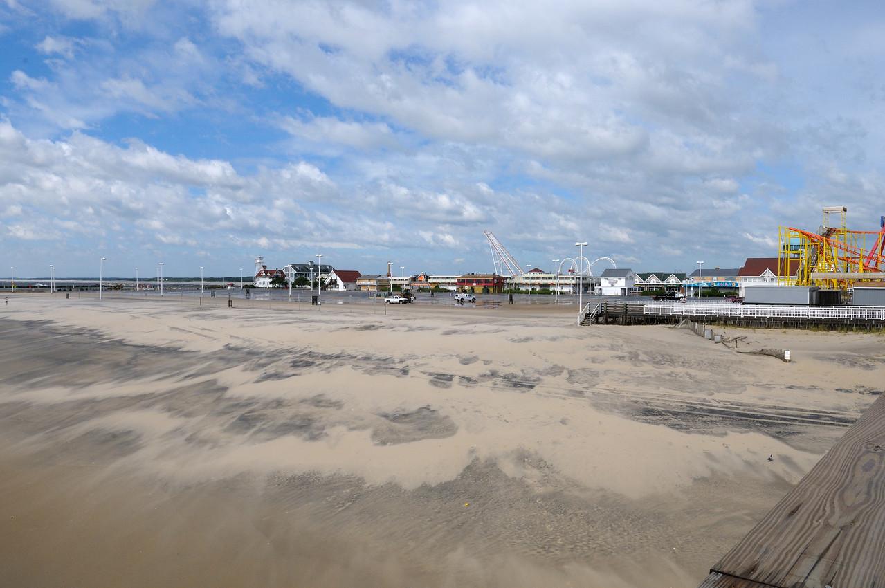 Beach parking lot had minor sand.