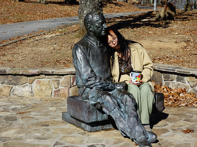 My wife and a statue of FDR.