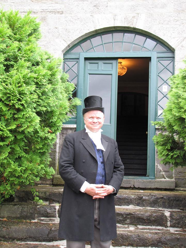 Phil Sweetnam  as Hamnett Kirkes PINHEY 6139