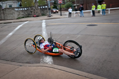 The hand wheelers were the first athletes on the course.