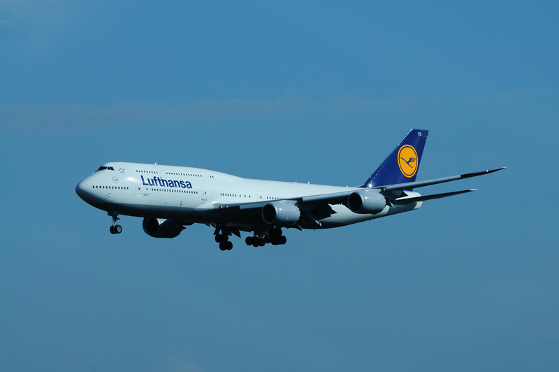 Luthansa Airlines Boeing 747