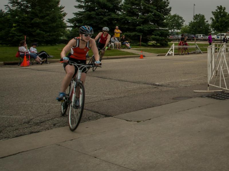 Missi finishing bike leg