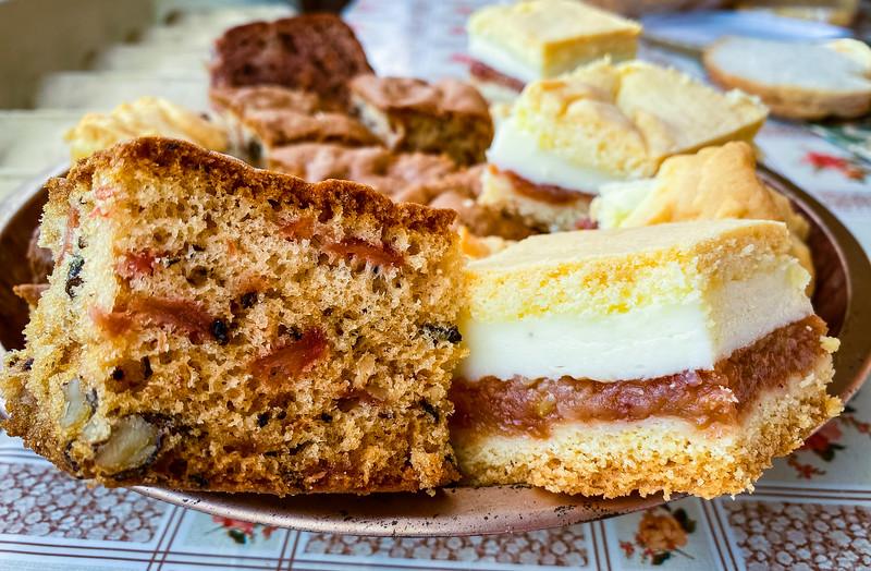 Wiewiórka Ciasto (Squirrel Cake); Jablecznik Ciasto (Apple Cake)
