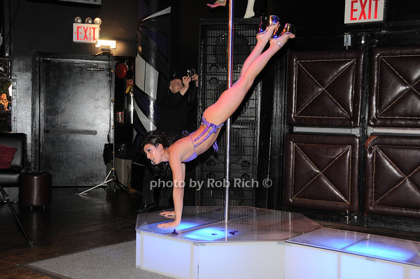 Lauren Goldstein<br /> <br /> photo by Rob Rich © 2010 robwayne1@aol.com 516-676-3939