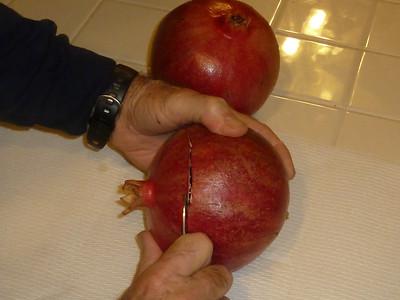 Pomegranate peeling