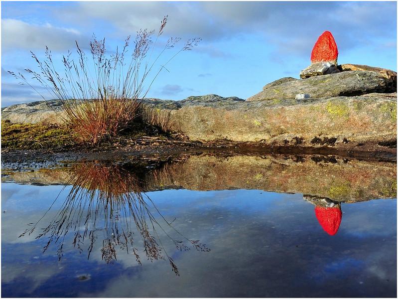 Fra Bogafjellet<br /> <br /> Reflection of the trail