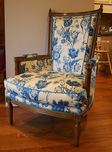 Super sweet Tomlinson Furniture custom upholstered chair.  Immaculate.