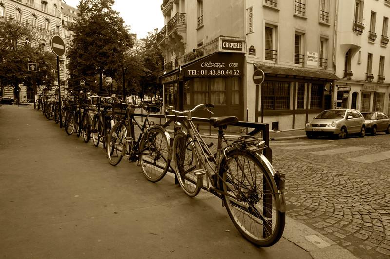 Street Scene: Paris (2)
