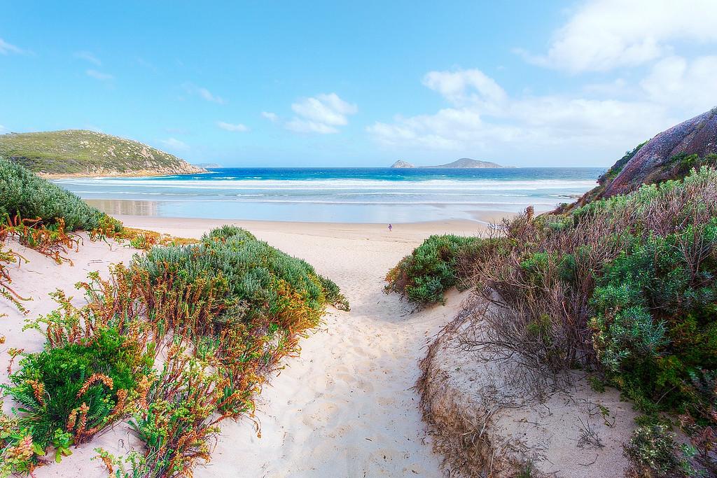 (1656) Picnic Bay, Victoria, Australia