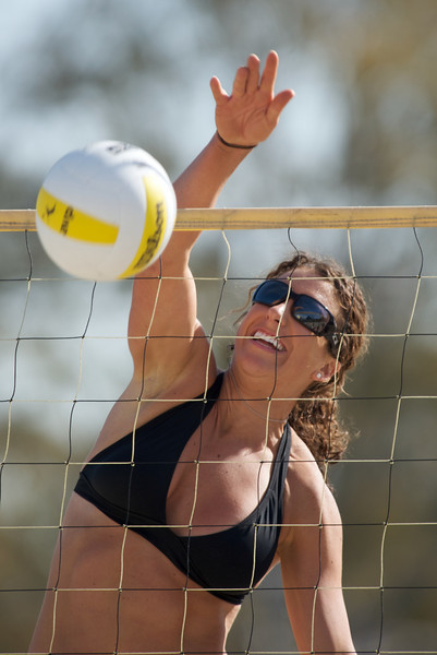 06 March 2008:  AVP Player Brooke Langston at a practice match at Long Beach State's beach volleyball court in Long Beach, CA.