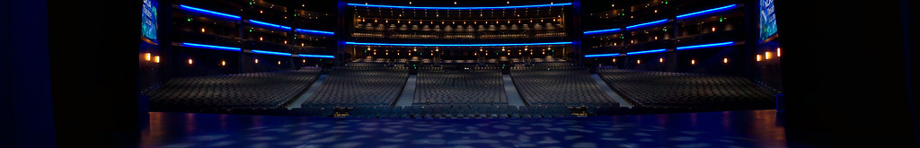 2010-05-07 - Nokia Theatre - Panorama 2 - Stage 1