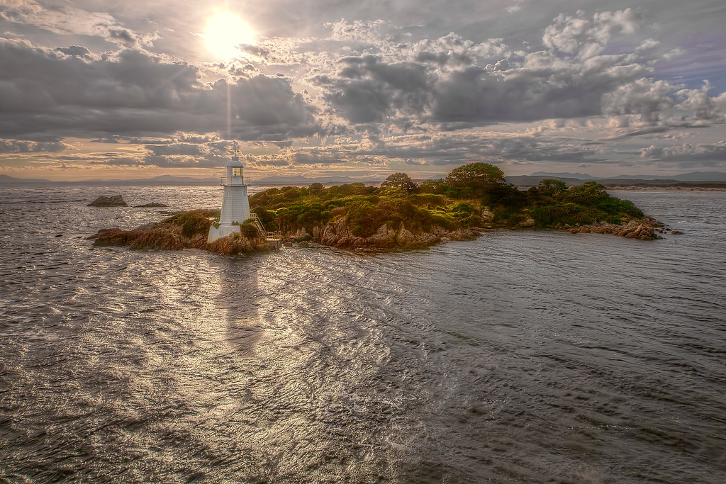 (2078) Entrance Island, Tasmania, Australia
