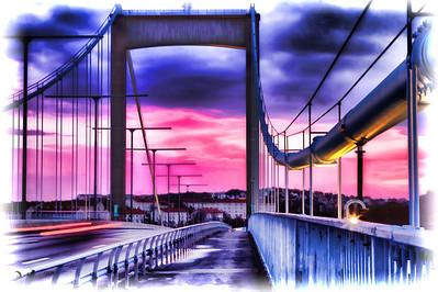 Älvsborgsbron at sunset