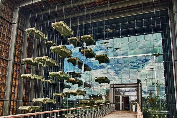 L'Entrée du Musée de l'automobile à Mulhouse - France (HDR 3 RAW)