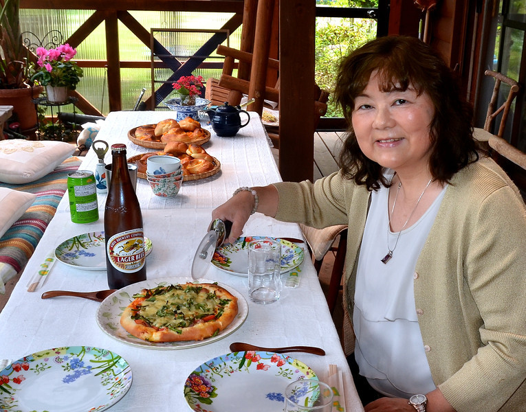 Homemade pizza, Japanese beer (and Chiyo) and excellent combination.