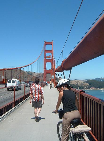 Day 3 - b2) Kelley cycling over GG Bridge