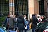 Sara, Julio, María Tosa, Paloma (de espaldas), Claudia, María (de espaldas), yo, Esther, Nano y María Jesús, a la entrada de la Fundación Diatio Madrid