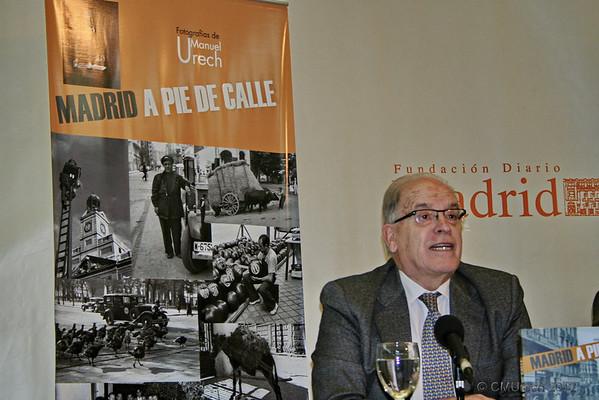 Miguel Angel Gozalo, que fue subdirector del Diario Madrid, y en la actualidad vocal del patronato de la Fundación Diario Madrid, interviene en último lugar para cerrar el acto de la presentación.