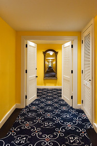 Double doors to entry of Junior Suite and connecting room