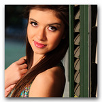 """<i><b><font color=""""#FF0066"""">Portraits Package (Family, Senior, Model Portfolio, etc)  ($550)</font></b></i><br>    - 2 hours of on-location coverage    - 5 professional prints size 8x10    - 10 professional prints size 5x7    - High-resolution images on DVD    - Online image gallery with professional print ordering system"""