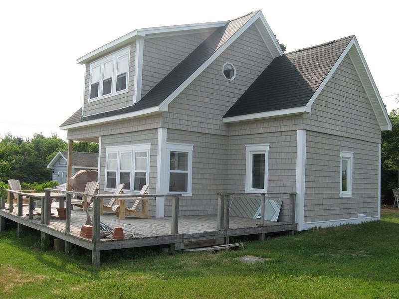Cedar cottage in Grande Digue.