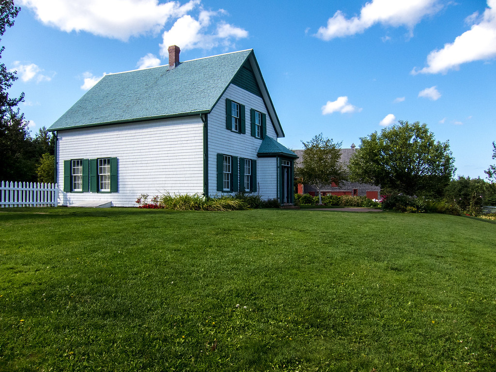 House where the Arthur of Anne of Green Gables , Lucy Maud Montgomery . Many say the story is of her life at Green Gables .