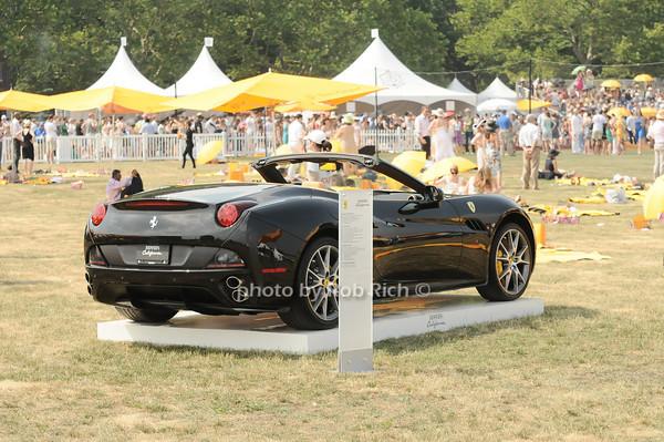 Ferrari photo by Rob Rich © 2010 robwayne1@aol.com 516-676-3939