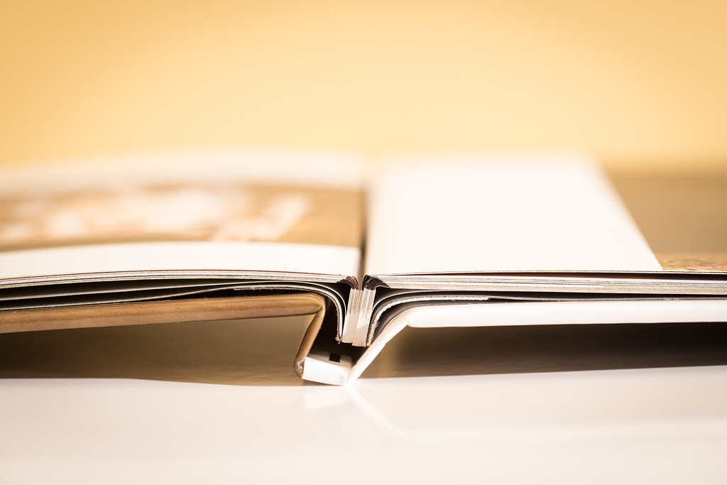 New binding technology and paper offer completely flat pages with no page curl!
