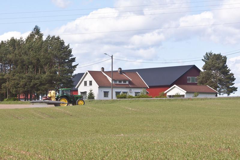 Surjord på bygg 2011-9