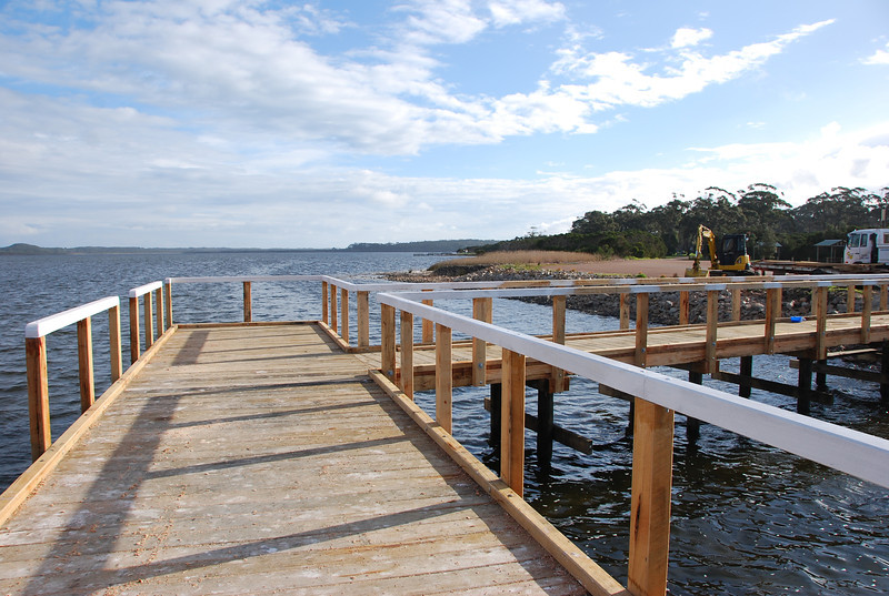 "45 square metres fishing platform,  will have 3 bench seats  <br /> Thank's to Department of Primary Industries - fisheries <a href=""http://www.dpi.vic.gov.au"">http://www.dpi.vic.gov.au</a> edit"