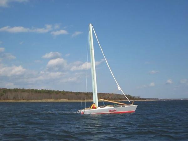 MastFoil prototype sailing to windward under the mast alone.
