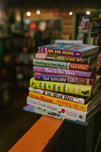 FIF_Curious_Iguana_Books_0018