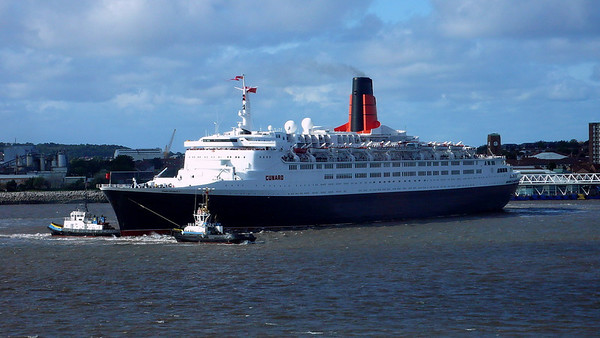 QE2 arrives in Liverpool for the final time