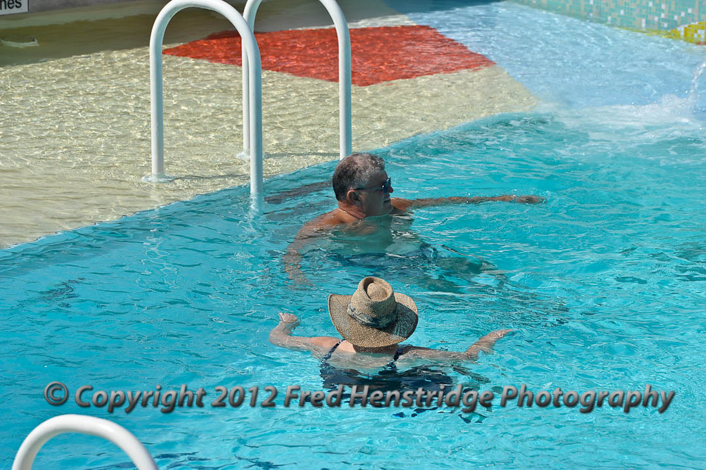 Swiming with a hat