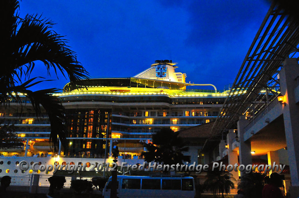 Radiance of the Seas at the Colon pier