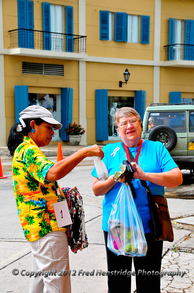 Kathy negotiating with the street seller, Las Bóvedas shopping district, old town Cartagena