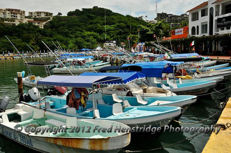 Huatulco marina