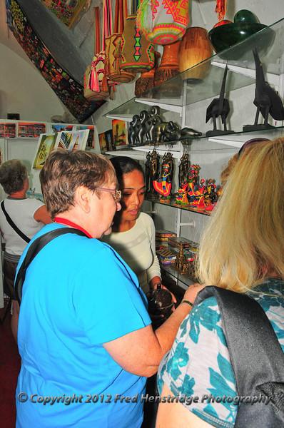 Kathy shopping in Dungeon No.1, Las Bóvedas shopping district, old town Cartagena