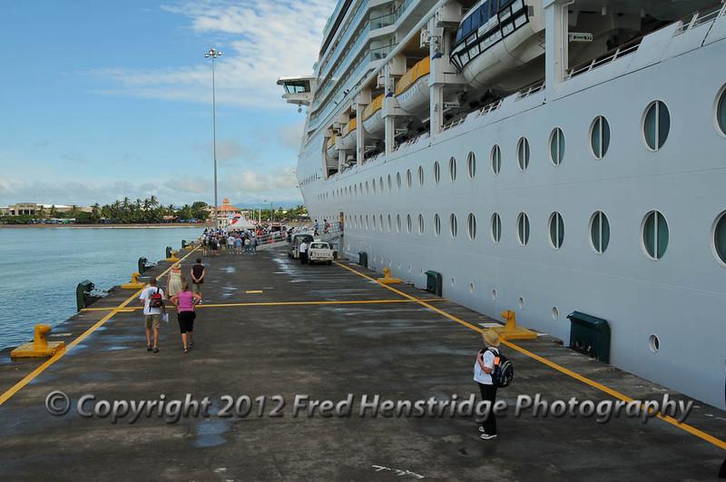 Waiting for our tour bus, Puntarenas pier