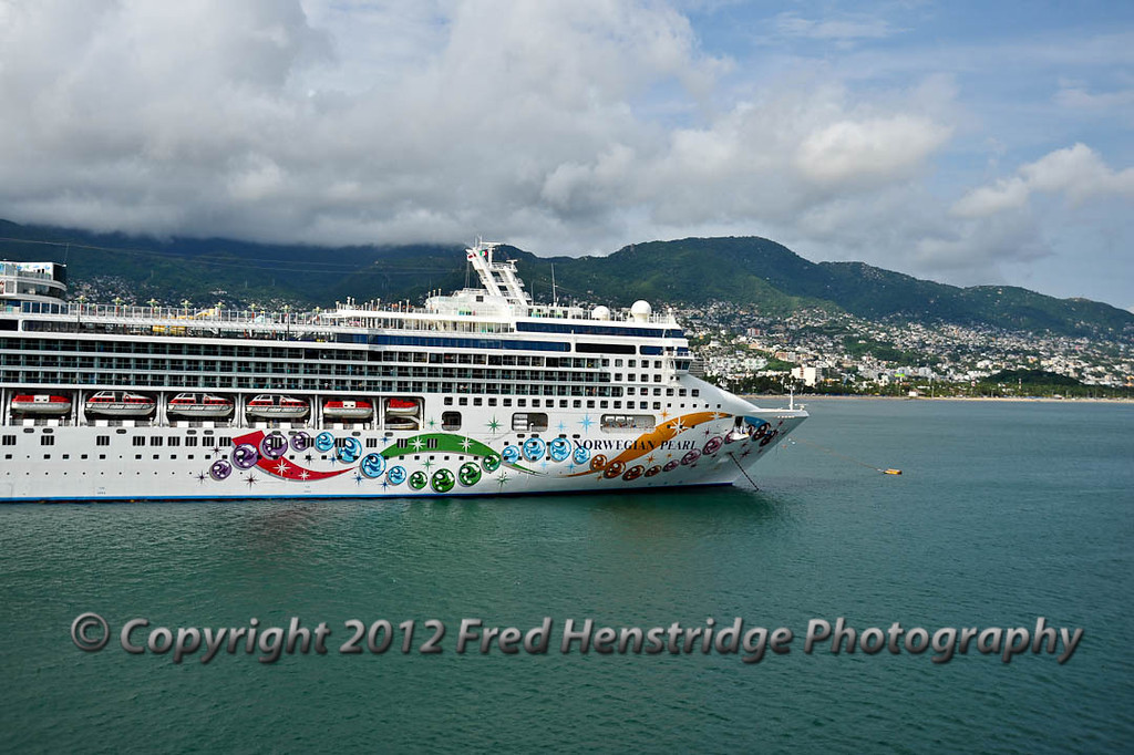 Our trailing cruise ship, the Norwegian Pearl