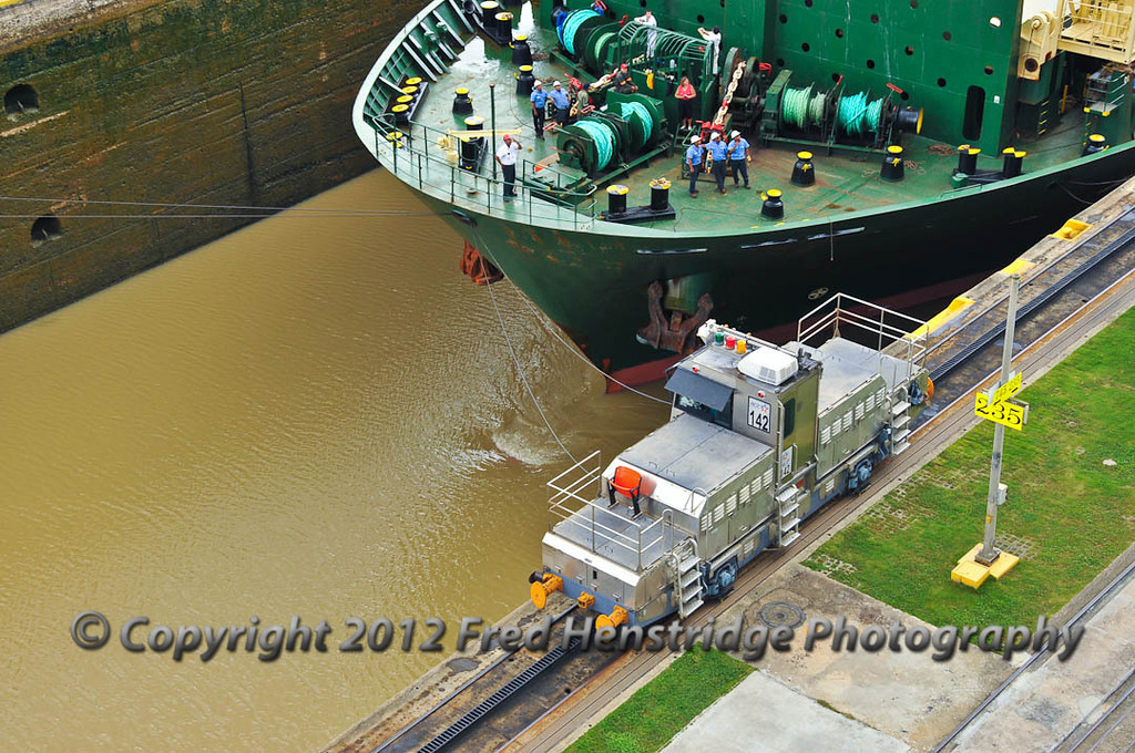 Rickmers container ship entering the lock