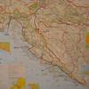 Ons reisschema: Meteen na aankomst in Zagreb naar de Plitvice meren gereden. Volgende rit was naar Rabac (Istrië). Via Zaton bij Zadar en Omis bij Split naar Mlini bij Dubrovnik. Elke stop was voor 2 of 3 dagen. Terugvlucht vanuit Dubrovnik rechtstreeks naar Amsterdam.