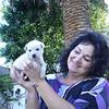 Gastvrouw Karin met puppie die even kwam logeren.