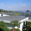 Ons eerste B&B: 'Coastal cliffs'in Redcliffs aan de kust bij Christchurch.<br /> De Nederlandse vlag hing al in top.