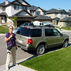 De Ford Explorer bij het huis van<br /> dochter Monique in Kincora.