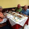 Met ruilpartners Christl en Wim bij de Chinees