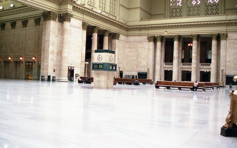 Marble floors shine inside Chicago Union Station (circa 2001).<br /> (Photo by William A. Shaffer)